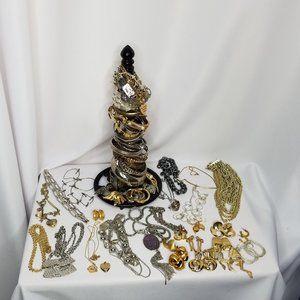 Lot wearable metallic tone fashion  jewelry
